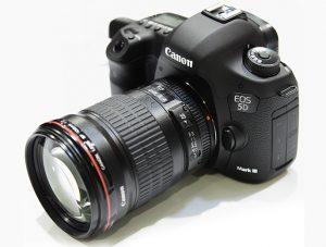 Зеркальный фотоаппарат Canon EOS 5D Mark III