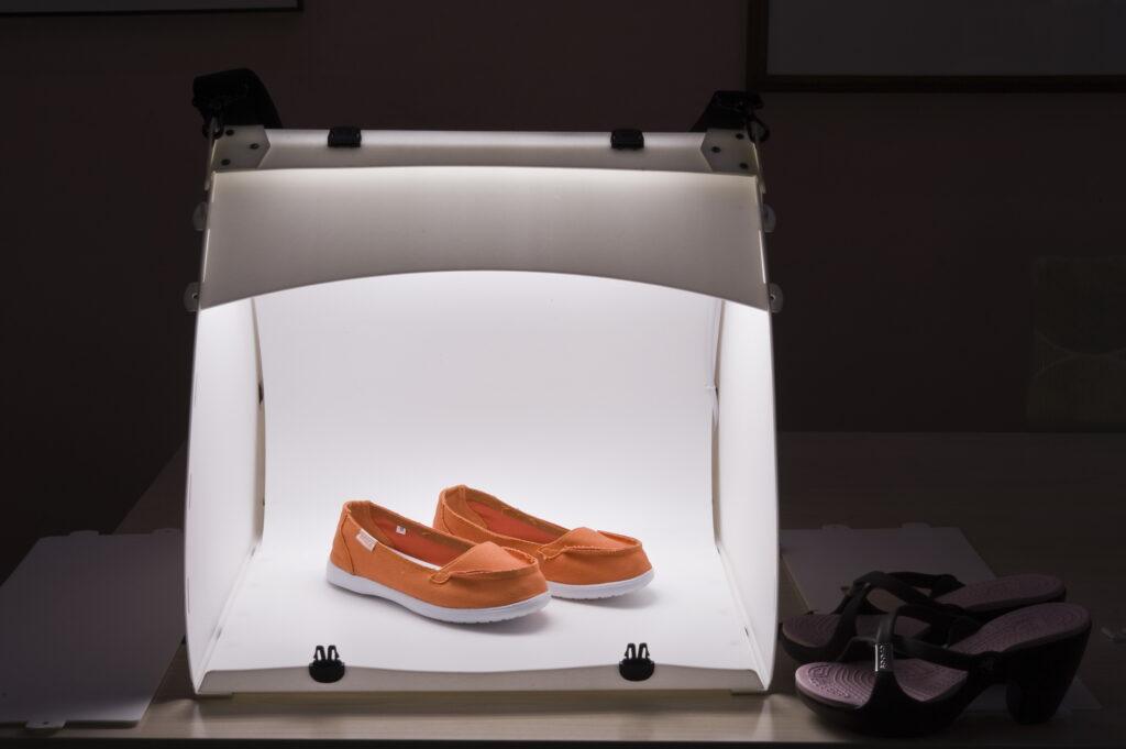 разместить свет для предметной фотосъемки в домашних условиях вложено девочку